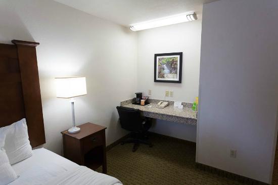 La Quinta Inn & Suites Grants Pass : Desk Area
