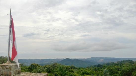 Bukit Menumbing: Pemandangan dari rooftop