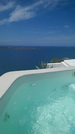 Spitia Houses: View from the gorgeous Jacuzzi.