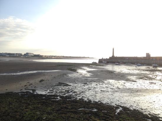 The Lighthouse Bar: Tide's out...!