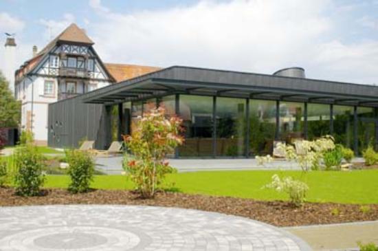 Auberge du Cheval Blanc: spa extérieur