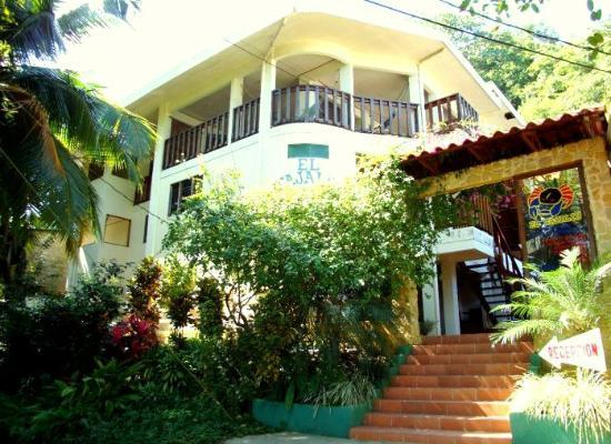 Hotel El Tajalin: Vista desde el parque infantil de Montezuma