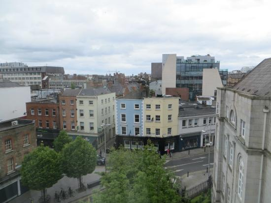 Grafton Capital Hotel: Street view from 3rd floor window