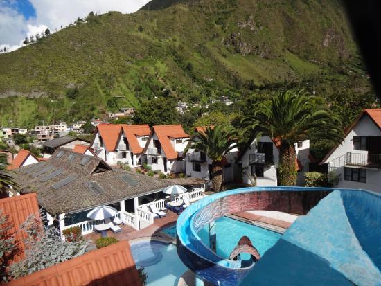 casa giralda hosteria piscina y tobogan al aire libre con vistas de las