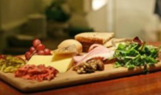 Ye Olde Two Brewers: Three cheese ploughmans