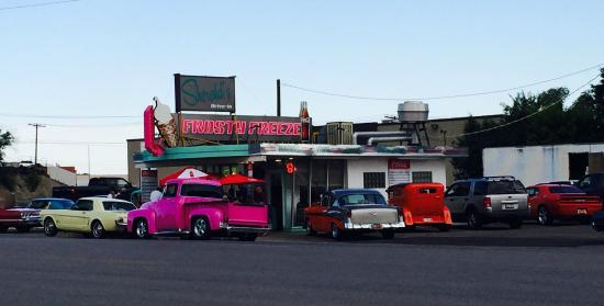 Sherald's Burger Bar: Classic Car Night