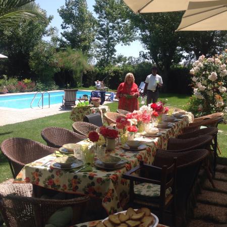 Villa Mirella Beach: Zona piscina