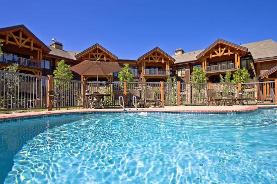 Trappeur's Crossing Resort and Spa: Bear Lodge Pool and Hot Tubs