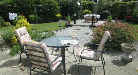 Aonach Bed & Breakfast: Garden