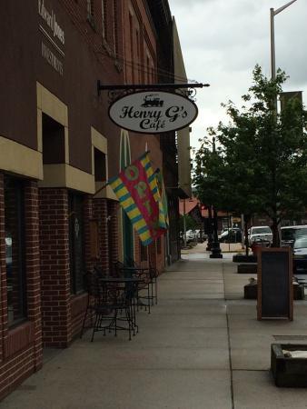 Henry G's Cafe