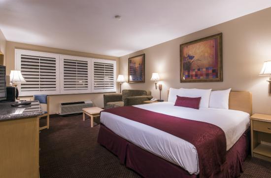 Grand Vista Hotel Deluxe King Room