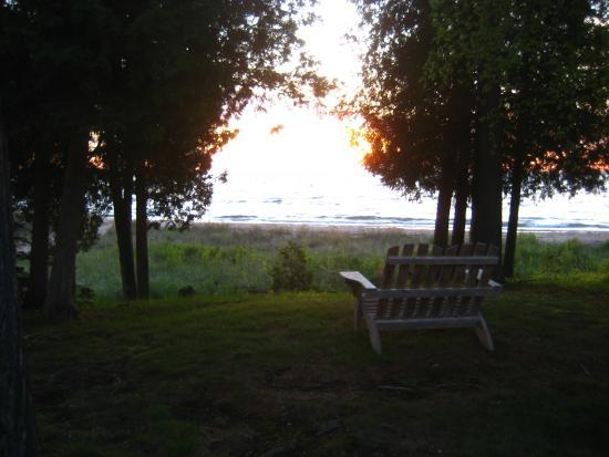 Glidden Lodge Beach Resort: peaceful