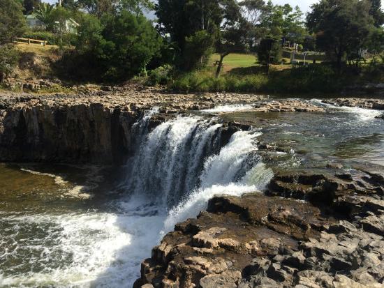 Bay Adventurer: Haruru Falls