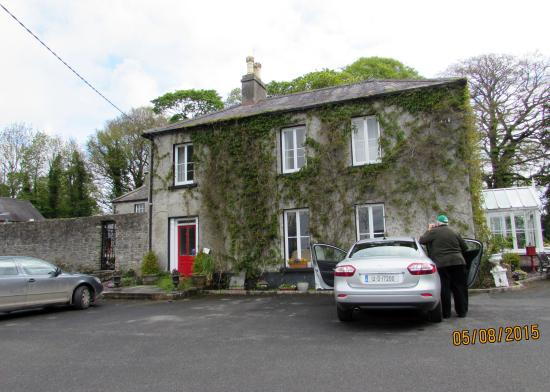 Cloncarlin House B&B: Front of house