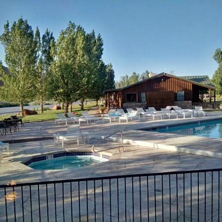 pool and jacuzzi by the colorado river
