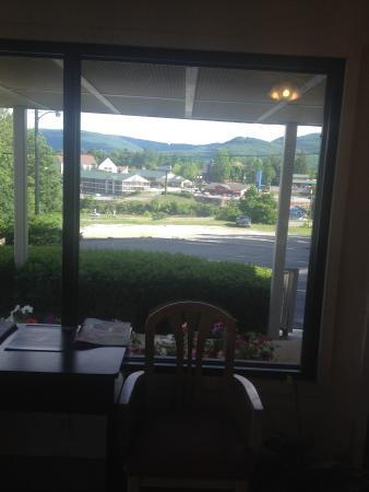 Motel 6 Wytheville: The view from the checkin office is breath taking