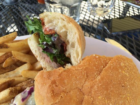 Terrebonne Depot: steak sandwich