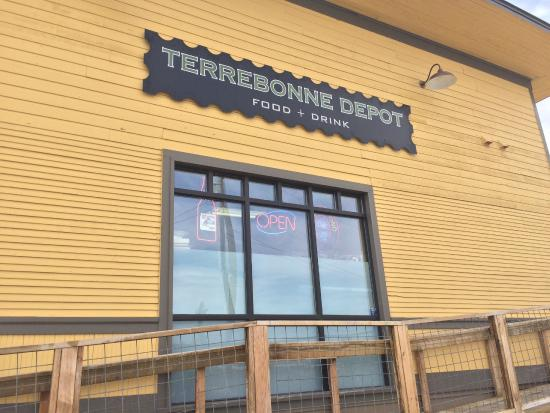 Terrebonne Depot: front of restaurant