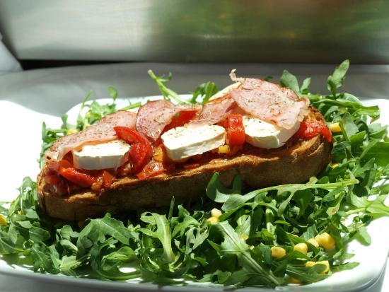 Le voilier la rochelle restaurant reviews phone number for Cuisine 3d la rochelle