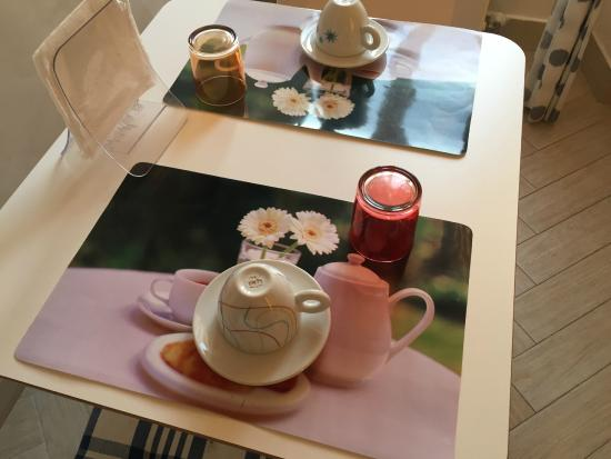 Agli Horti Sallustiani - bed & breakfast: Tazas