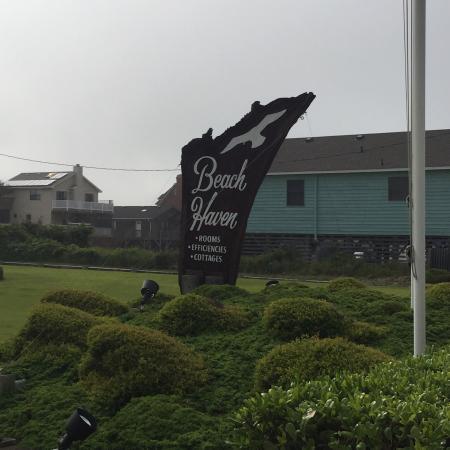 Beach Haven : Great Beachfront Motel.  A true Gem!