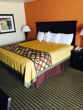 Montigo Inn : Nice Clean King Bed