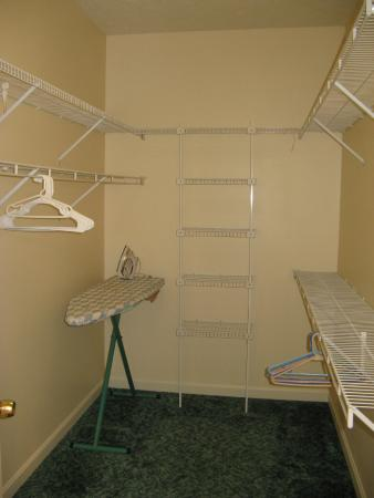 Handys Extended Stay Suites Walk In Closet Deluxe Apartment