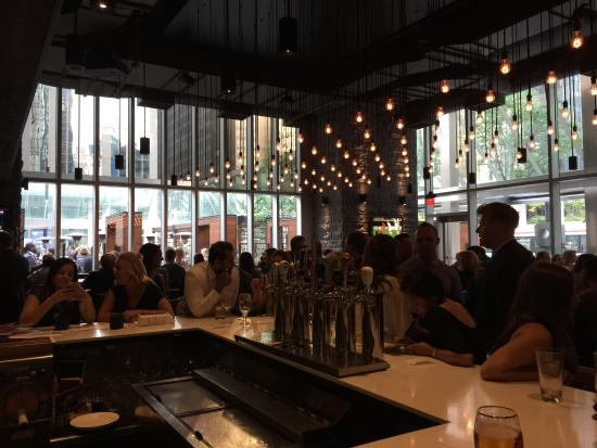 Review Of Earls Kitchen Bar