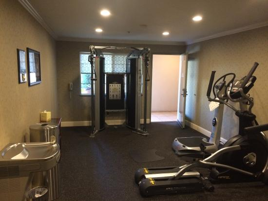 Small workout room five machines total picture of best for Small exercise room