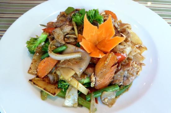 Drunken Noodle with PorkPicture of Mekhong Thai, Wells