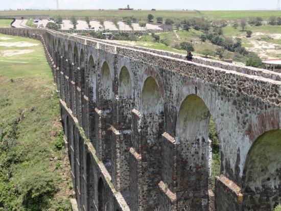 Village of Tepotzotlan: The aquaduct