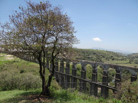 Village of Tepotzotlan: The acuaduct