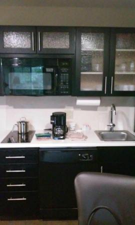 Candlewood Suites Fairfax : Kitchen Area