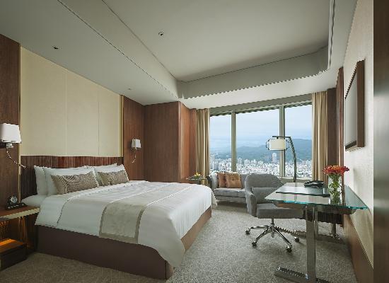 Shangri-La's Far Eastern Plaza Hotel Taipei: Deluxe Room