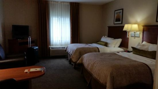 Candlewood Suites Indianapolis East: Double queen room