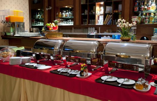 Silom City Hotel : Enjoy Buffet Breakfast