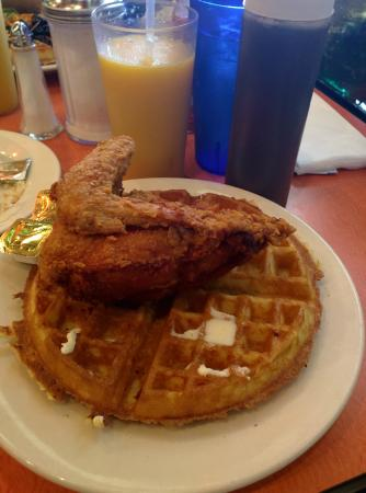 Fried chicken and waffles aka the rev al sharpton for Amy ruth s home style southern cuisine