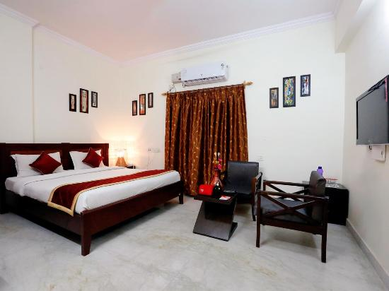 OYO Apartments Begumpet Old Airport