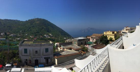 Hotel Caruso: Mountain, sea and Capri island views, this place is perfect for relaxing
