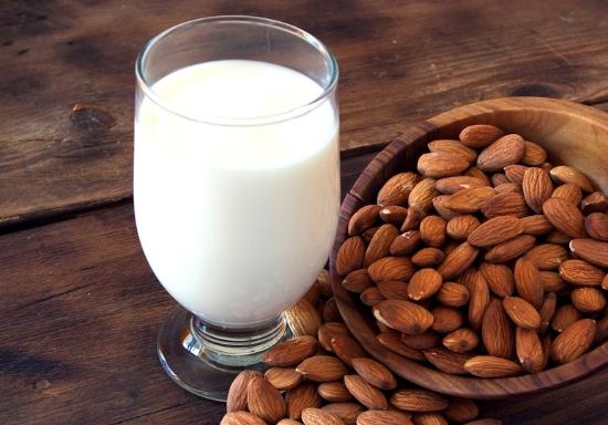 Karuna Detox Retreat : Almond milk, pure goodness.