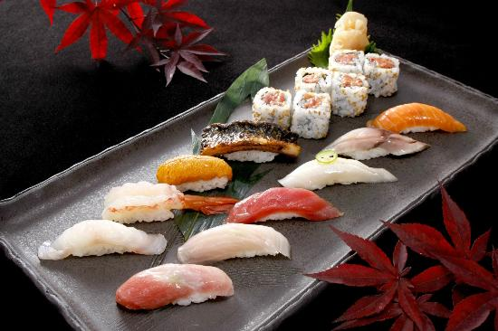 The Leela Palace New Delhi: Assorted Sushi at MEGU