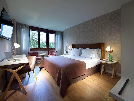 Photo of Los Linajes Hotel Segovia