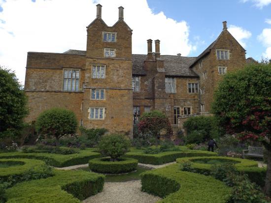 Broughton Castle: Lovely Gardens