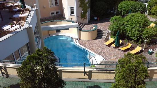 Columbia Hotel Bad Griesbach: Blick auf das Aussen-Schwimmbad