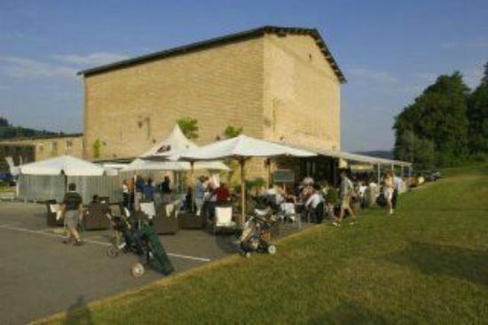 Oberburg, Schweiz: Restaurant und Terrasse