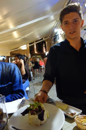 Carmela Restaurante: Felicito al camarero Ruben por un excelente servicio
