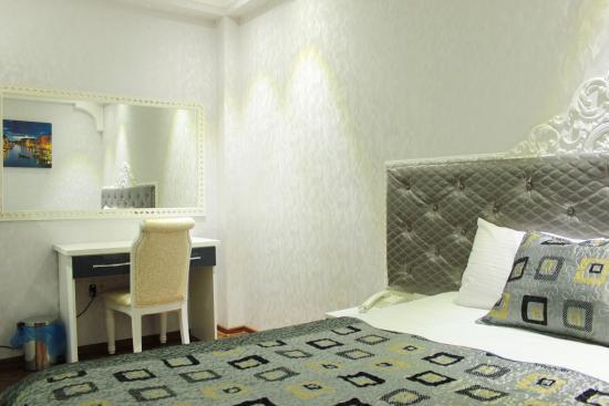 Boutique hotel elegant prices reviews tbilisi for Boutique hotel elegant