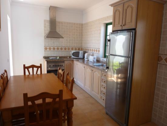Villas Costa Papagayo: Kitchen