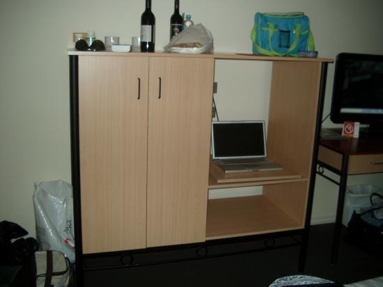 Quality Resort Inlander Mildura: Cupboard is too high to put anything on top of - useless
