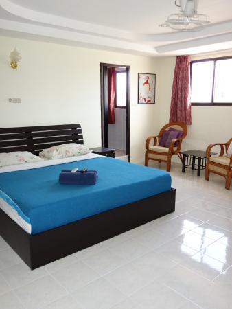 Jasmine Hotel Pattaya: Refurbished fifth floor room.